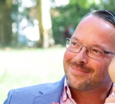 aitrio crossmedia communication   Ansprechpartner: Tobias Henze